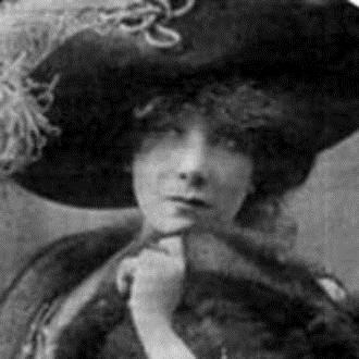Il DUO DARCLEE (Antonia Palazzo, soprano - Paolo Scibilia, pianista), costituitosi nel 1992, rende omaggio al celebre soprano romeno Hariclea Darclée, ... - Darclee1